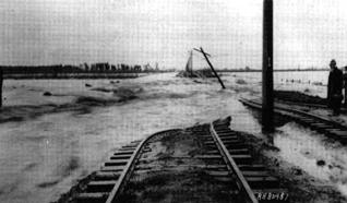Pacific Electric rails lines in Lynwood destroyed by floodwaters, 1914. Photograph: US Army Corps of Engineers